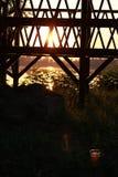 Coucher du soleil au-dessus du Danube et de la pierre, Bulgarie Photographie stock