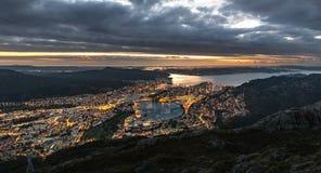 Coucher du soleil au-dessus de Bergen Image stock
