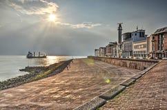 Coucher du soleil au-dessus de boulevard de Vlissingen photos stock