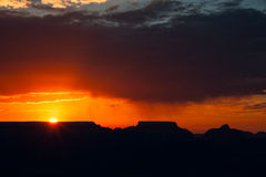 Coucher du soleil au-dessus de Grand Canyon images stock