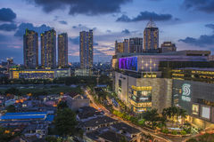 Coucher du soleil au-dessus de Jakarta image stock