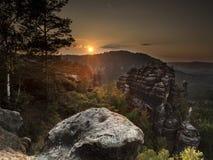 Coucher du soleil au-dessus de Kleine Winterberg Photo libre de droits