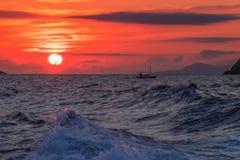 Coucher du soleil au-dessus de l'Adriatique Image stock