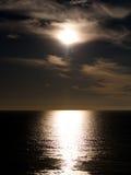 coucher du soleil au-dessus de l'horizon Photo stock