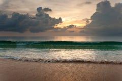 Coucher du soleil au-dessus de l'océan photographie stock libre de droits