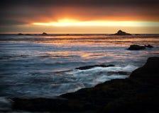 Coucher du soleil au-dessus de l'océan Image stock