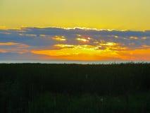 Coucher du soleil au-dessus de l'océan pacifique près de Vancouver image libre de droits