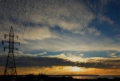 Coucher du soleil au-dessus de la centrale Image libre de droits