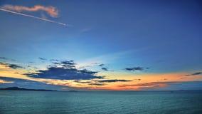 Coucher du soleil au-dessus de la mer Image libre de droits