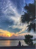Coucher du soleil au-dessus de la mer de Chine orientale en Okinawa Japan images libres de droits