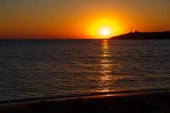 Coucher du soleil au-dessus de la mer Coucher du soleil/lever de soleil avec des nuages, des rayons légers et tout autre effet at Image stock