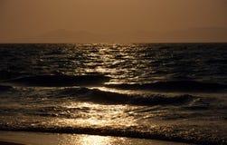 Coucher du soleil au-dessus de la mer Méditerranée Photos stock
