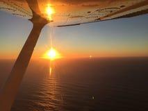 Coucher du soleil au-dessus de la photographie aérienne d'océan - baie de Morro, la Californie Image libre de droits