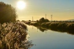 Coucher du soleil au-dessus de la rivière, Portugal Images libres de droits