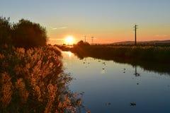 Coucher du soleil au-dessus de la rivière, Portugal Image libre de droits