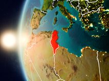 Coucher du soleil au-dessus de la Tunisie de l'espace Image stock