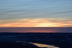 Coucher du soleil au-dessus de la ville photos libres de droits