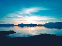 Coucher du soleil au-dessus de loch de Glencoe images libres de droits