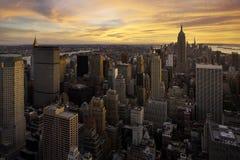 Coucher du soleil au-dessus de Manhattan, New York Photos stock