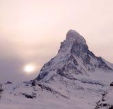 Coucher du soleil au-dessus de Matterhorn Images libres de droits