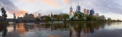 Coucher du soleil au-dessus de Melbourne Photographie stock libre de droits