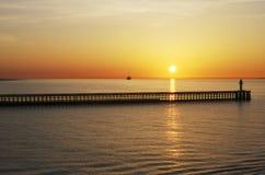 Coucher du soleil au-dessus de mer à Calais. La France Photographie stock