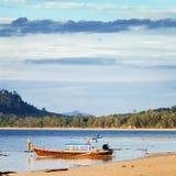Coucher du soleil au-dessus de mer d'Andaman Images stock