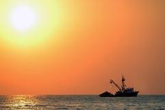 Coucher du soleil au-dessus de mer dans Puerto Escondido Photographie stock libre de droits