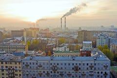 Coucher du soleil au-dessus de Moscou Photos stock