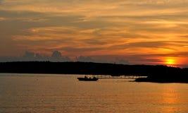Coucher du soleil au-dessus de plage de Niles Photo stock