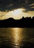 Coucher du soleil au-dessus de rivière Dunajec Photographie stock