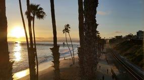 Coucher du soleil au-dessus de San Clemente Pier Image libre de droits