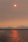 Coucher du soleil au-dessus de son de Puget Photo stock