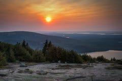 Coucher du soleil au-dessus de stationnement national d'Acadia photographie stock