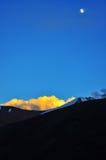Coucher du soleil au-dessus de vallée de Markha image stock