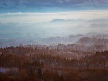 Coucher du soleil au-dessus des Alpes suisses Images stock