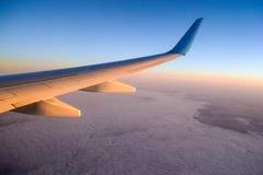 Coucher du soleil au-dessus des nuages Image stock