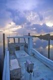 Coucher du soleil au-dessus des nuages de tempête sur l'île de pin, la Floride Image libre de droits