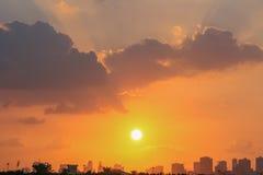 Coucher du soleil au-dessus du Charjah EAU Photos libres de droits