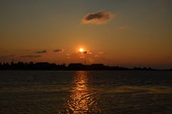Coucher du soleil au-dessus du compartiment Photo libre de droits