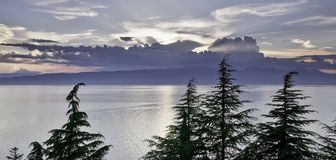 Coucher du soleil au-dessus du lac Ohrid dans Makedonia Photos stock