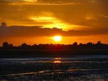 Coucher du soleil au-dessus du marais Images stock