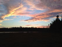Coucher du soleil au-dessus du marais photo stock
