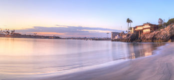 Coucher du soleil au-dessus du port en Corona del Mar Photographie stock