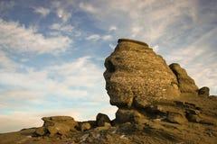 Coucher du soleil au-dessus du sphinx en montagnes de Bucegi Photos libres de droits