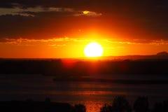Coucher du soleil au-dessus du lac d'Ivars et de Vilasana, Lérida photo stock