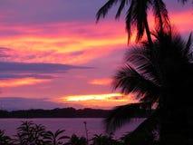 Coucher du soleil au dock, Bastimentos, Panama Photos stock