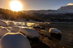 Coucher du soleil au fjord photo libre de droits