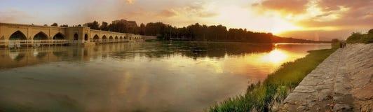 Coucher du soleil au fleuve Photographie stock
