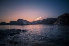 Coucher du soleil au lac en Arizona Photo libre de droits